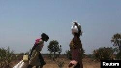 Des centaines de milliers de civils ont été déplacés par les combats au Soudan du Sud et sont menacés de famine (Reuters)