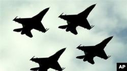 파키스탄 공군 F-16 전투기들 (자료사진)