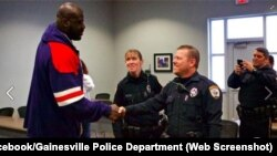 Shaquille O'Neal Meets Gainesville Police Department