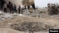 Воронка на месте взрыва в провинции Ниневех, Ирак. 17 декабря 2012 года