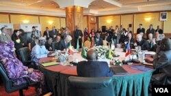Konferensi keamanan yang dihadiri para Menlu tujuh negara di Algiers, 16 Maret 2010.