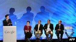 Guverner Kanzasa, Sem Braunbek drži govor tokom svečanog objavljivanja pobednika guglovog konkursa za grad u kojem će kompanija sagraditi besplatnu optičku mrežu za brzi internet, 30. mart 2011.