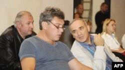 Борис Немцов и Гарри Каспаров в Сахаровском центре