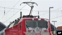 مشرقی یورپ میں شدید برف باری اور خراب موسم، پروازیں منسوخ