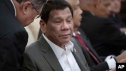TT Philippines Rodrigo Duterte tại cuộc họp với Chủ tịch TQ Tập Cận Bình ở Nhà Khách Điếu ngư ở Bắc Kinh ngày 29/8/2019. (How Hwee Young/Pool Photo via AP)