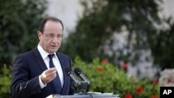Tổng thống Pháp Francois Hollande nói ông tăng cường an ninh tại các địa điểm tôn giáo và sẽ đưa ra quốc hội các luật chống khủng bố nghiêm khắc hơn