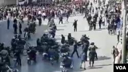 تصویری از حمله به معترضان در چهارراه زند شیراز - آبان ۹۸