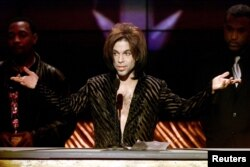 """The Artist"" formerly known as Prince gives his acceptance speech after being named Male Artist of the Decade at the 14th annual Soul Train Music Awards, March 4, 2000."