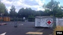 Un camp de réfugiés fermé près de Dresden, Allemagne, le 7 juillet 2016. (H. Murdock/VOA)