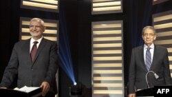 Egipatski predsednički kandidati Amr Musa i Abdel-Moneim Abolfotoh tokom sinoćnje debate u Kairu