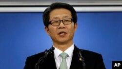 Menteri Unifikasi Korea Selatan Ryoo Kihl-jae menghadapi kecaman karena kebuntuan terkait kompleks industri gabungan Kaesong (foto: dok).
