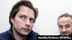 Adnan Tunoviç, arxa planda 28 noyabr 2012