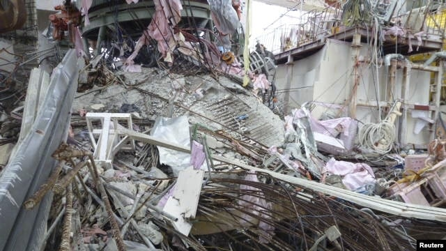 Interior of No. 4 reactor building at TEPCO's tsunami-crippled Fukushima Dai-ichi Nuclear Power Plant, Futaba District, Japan, Nov. 8, 2011.