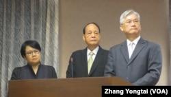 台湾两岸事务官员在立法院接受质询(美国之音张永泰拍摄)