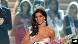 Rima Fakih after being crowned Miss USA 2010 at the conclusion of the LIVE NBC telecast from the Planet Hollywood Resort and Casino Theatre for the Performing Arts, in Las Vegas, Nevada, 16 May 2010