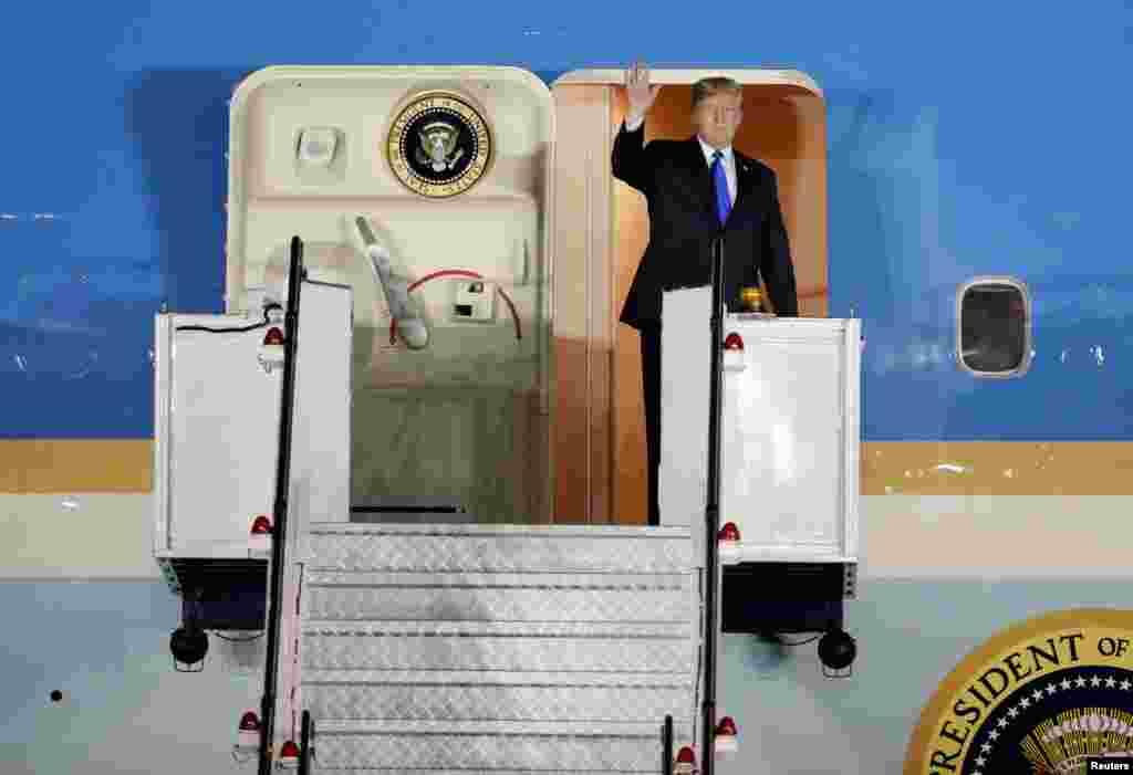 Shugaban Amurka Donald Trump ya isa Singapore, June 10, 2018.