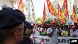 Une marche près de Foggia pour le droit des migrants, en Italie, le 8 août 2018.
