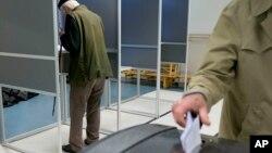 Glasanje na referendumu u Holandiji