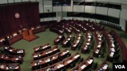 香港立法會歷史上首次辯論彈劾特首梁振英議案,最後被建制派議員聯手否決. (湯惠芸攝)