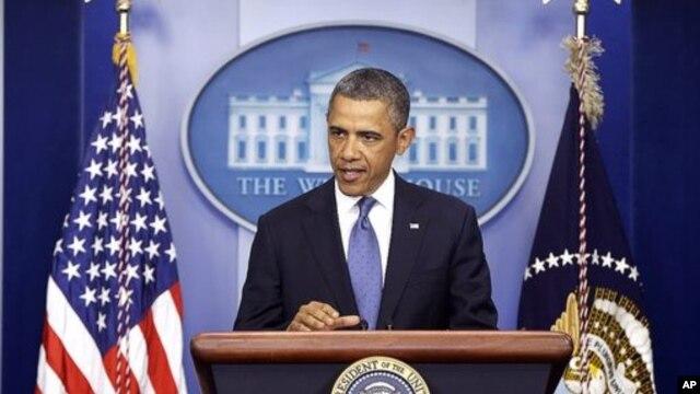 재정 협상과 관련하여 기자회견을하는 바락 오바마 미 대통령