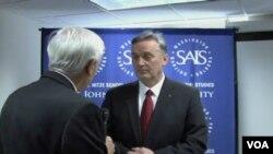 Predsjednik SDP Zlatko Lagumdžija prilikom razgovora sa reporterom Glasa Amerike