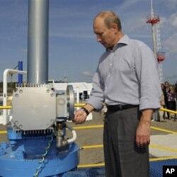 普京參加俄中石油管道俄羅斯段的開通儀式 2010年8月29日