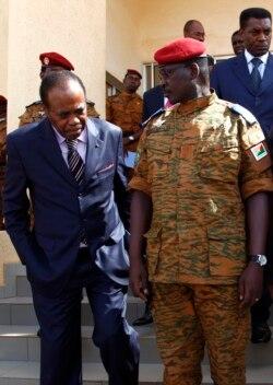Edem Kodjo promet de rencontrer l'opposition à Bruxelles pour relancer le dialogue. Au micro Top Congo FM.