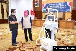 Ventilator menjadi salah satu alat bantu pasien corona yang dalam kondisi berat hingga kitis. (Foto: Courtesy/Humas Pemprov Jawa Timur)