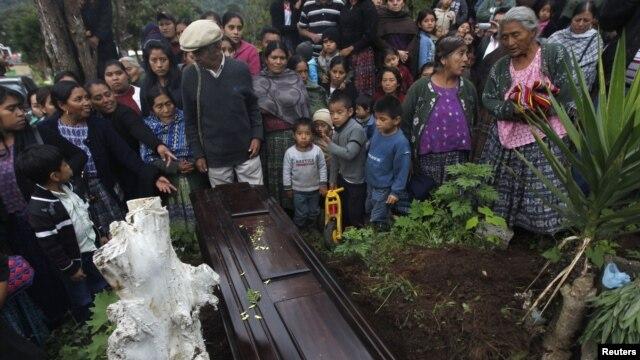 Al taller asisten gobernadores y funcionarios de los departamentos San Marcos, Quetzaltenango, Retalhuleu y Sololá en Guatemala.