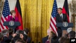 9일 백악관에서 바락 오바마 대통령(왼쪽)과 앙겔라 메르켈 독일 총리가 공동 기자회견을 가지고 있다.