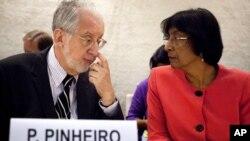 Chủ tịch Ủy Ban Điều Tra về Syria của Liên Hiệp Quốc Paulo Pinheiro (trái) và Cao ủy trưởng Cao ủy Nhân quyền Liên hiệp quốc Navi Pillay