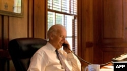Джозеф Байден мав телефонну розмову з Медведєвим