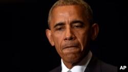 Shugaba Obama yana jawabi akan 'yansandan kasarsa a Poland.
