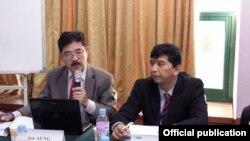 ေတာင္ကိုရီးယားႏုိင္ငံ ဆိုးလ္ၿမိဳ႕ေတာ္မွာ ၃ ရက္ၾကာက်င္းပတဲ့ Asia Democracy Network Founding Assembly ကို ကိုမင္းကိုႏုိင္ တက္ေရာက္စဥ္ - ၂၃ ေအာက္တုိဘာ ၂၀၁၃ (ဓာတ္ပံု - ဦးစိုးေအာင္-NDD)