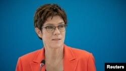 Menteri Pertahanan Jerman, Annegret Kramp-Karrenbauer, di Berlin, Jerman, 14 September 2020. (Foto: dok).
