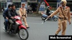 Hình ảnh đại diện trên một page cảnh báo các chốt cảnh sát giao thông ở Hà Nội.