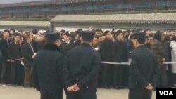 习近平胡锦涛等向李昭遗体告别 上千人送行