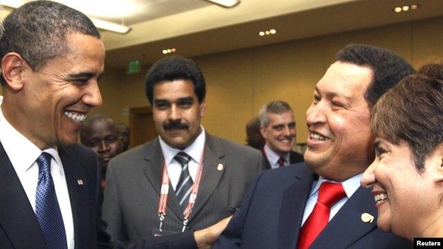 En Puerto España, en el año 2009, Obama se saludó con Hugo Chávez y el hoy vicepresidente Nicolás Maduro.
