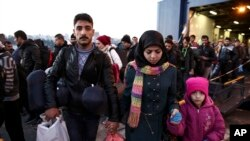 Para pengungsi tiba di Yunani. (Foto: dok.)