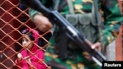 حوزه های رأی گیری در داکا و دیگر شهرهای بنگلادش تحت کنترل شدید امنیتی بود. داکا - ۵ ژانویه ۲۰۱۴