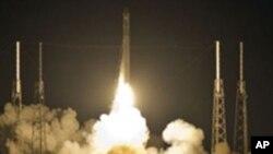 22일 스페이스X사의 민간 우주 로켓 발사 장면.