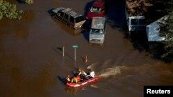 Las labores de rescate continuarán este martes cuando se prevé que al menos otros tres ríos alcancen niveles récord.