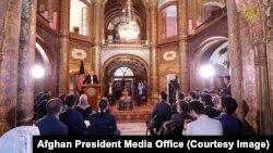 رئیس جمهور غنی گفت که بحث آزاد، شهروندی، حکومتداری و دولتداری را تعریف میکند