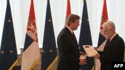 Evropski komesar za proširenje predaje Upitnik premijeru Srbije