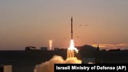 이스라엘의 중거리 요격미사일 '데이비즈 슬링'.