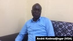 Dr. Mbainguinam Dionadji, président de l'ordre des médecins du Tchad à N'Djamena, 13 septembre 2018. (VOA/André Kodmadjingar)