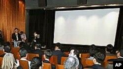 마을회관에 56석 규모로 개관한 대성동마을 영화관.