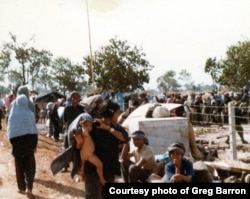 Cambodian refugees in Sa Keo, Thailand, in November 1979. (Photo courtesy of Greg Barron)