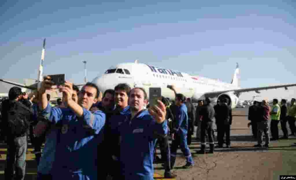 هواپیمای ایرباس جدید در فرودگاه مهرآباد و سلفی با هواپیمای نو.