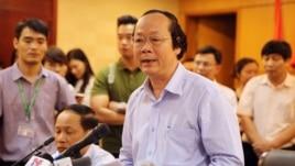 Thứ trưởng Bộ Tài nguyên và Môi trường Võ Tuấn Nhân phát biểu trong cuộc họp báo về việc cá chết hàng loạt ở bờ biển miền trung Việt Nam gần đây, tại Hà Nội, Việt Nam ngày 27 tháng 4 năm 2016.